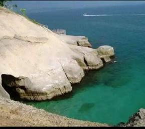 talibeach_cliff diving site